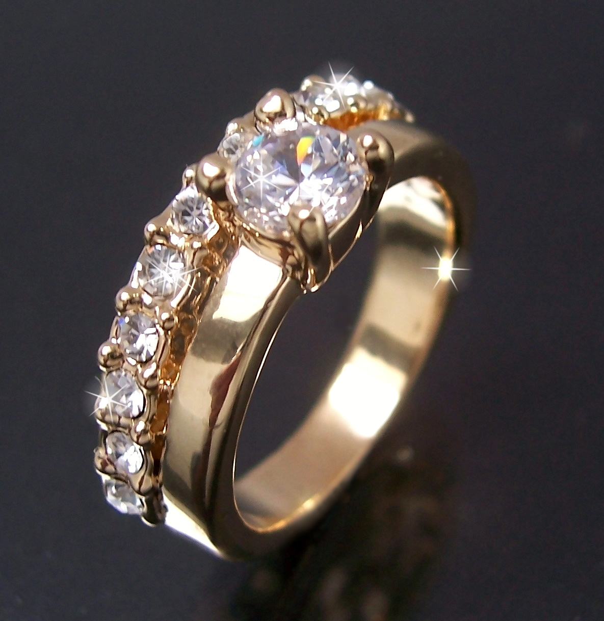 R51 Finger-RING RINGE GOLD-PL. STRASS 17mm SCHMUCK