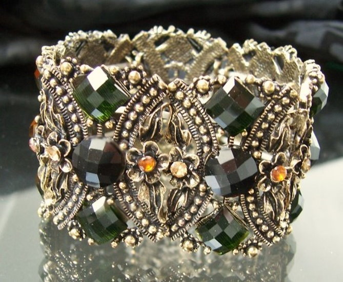 A2649 Retro-Armband Blumen braun-grn-gold Modeschmuck