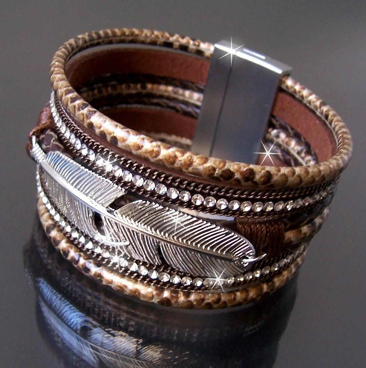 A1081* SlakeArmband LederLook Feder Strass braun 4x20cm neu