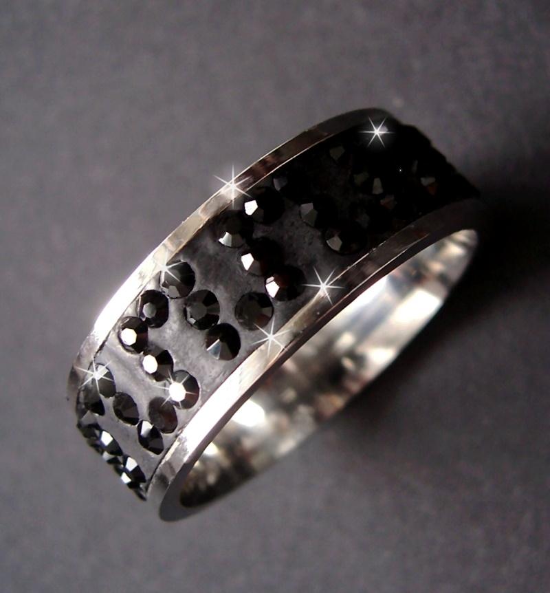 R508-18 Ring Edelstahl mit Strass schwarz 18mm Edelstahlring Damen